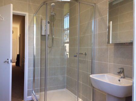 Flat 7 Trevarthian House Bathroom